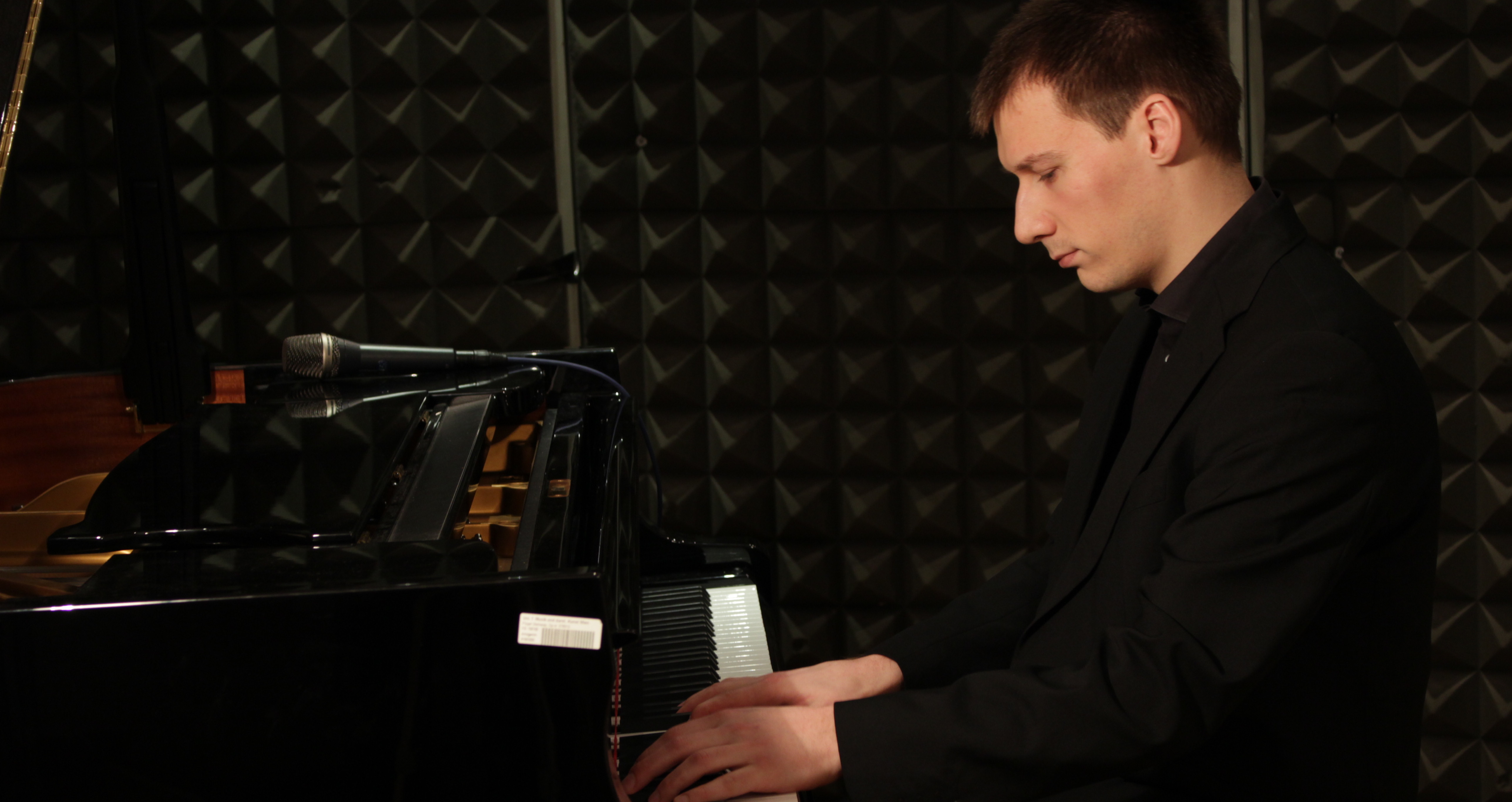 Marko Markus (composer), playing piano in the studio